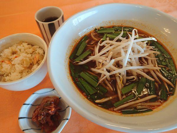 台湾ラーメンと混ぜご飯の画像